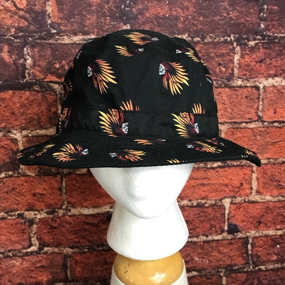 cdcbfc60f100a2 Vans Indian Skulls Black Bucket Hat. M 5a3c237161ca10ccc1003820